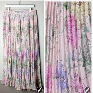 NWT! H&M pleated chiffon floral maxi skirt